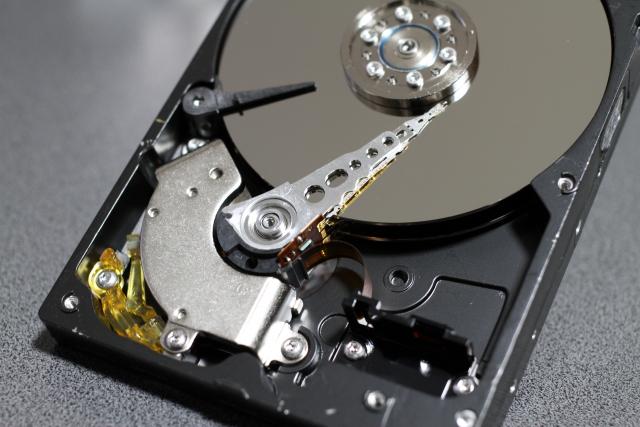 パソコンのデータ消失には復旧のサービスが有効!